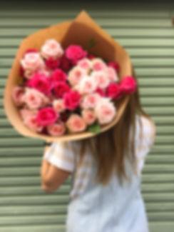 MAnda holding roses.JPG