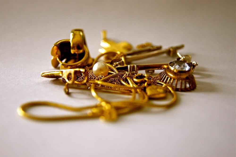 Myy kultaa.