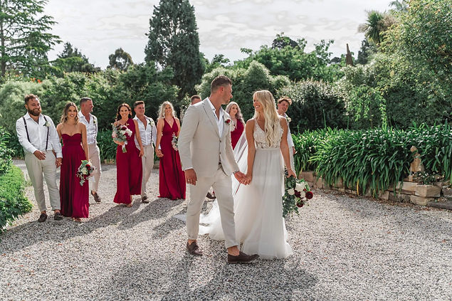 A country wedding in New South Wales. Lynda Leith Celebrant