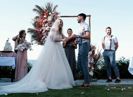 5 red hot reasons a destination wedding planner is essential