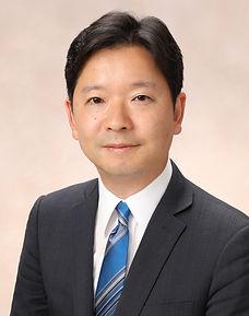 代表者松尾信吉の近影。ファイナンス、IPO、M&Aに深い知見を有する
