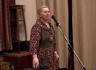 Элина Сухова в погоне за молодыми авторами
