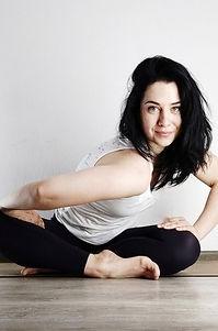 Инструктор йога-фит