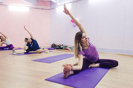 Йога здорвая спина