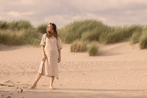 Bow dress in sand