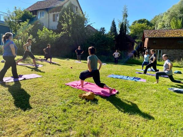 Pilates im Garten