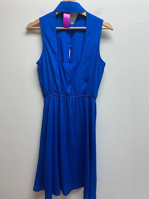 Sleeveless button w/ elastic waist