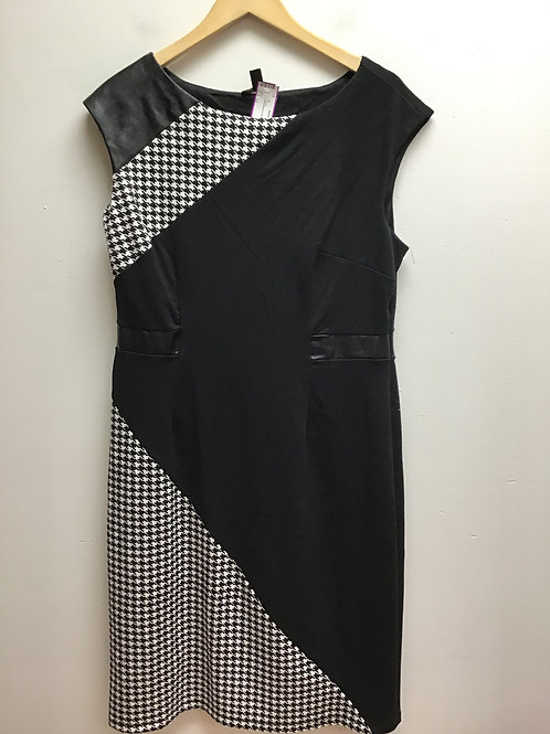 Blooming rose houndstooth dress
