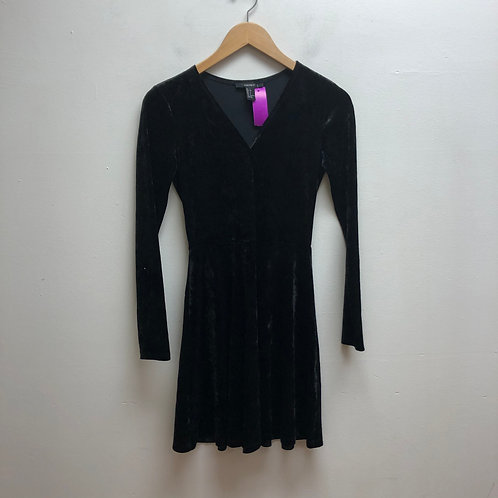 Forever 21 velvet black dress