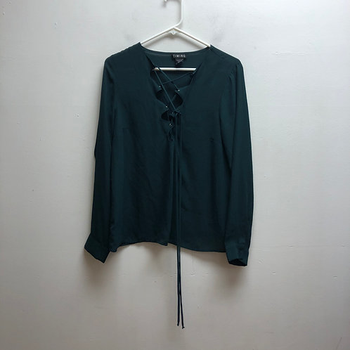 Timing green lace up top