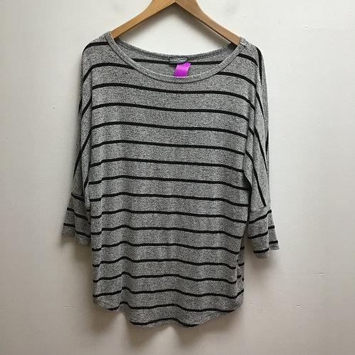 Market & spruce gray & black striped top