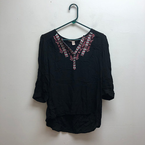 Forever 21 black top with multicolored v-neck