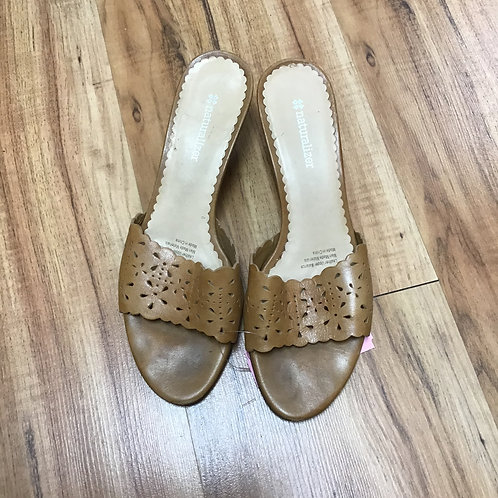 Naturalizer tan wedges with cutouts