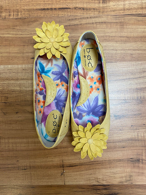 BRAND NEW! Born O Concept yellow flats w\ flower on toe