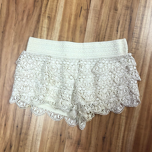 Rewind cream crochet shorts