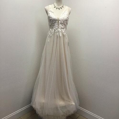 NWT lulus wedding gown
