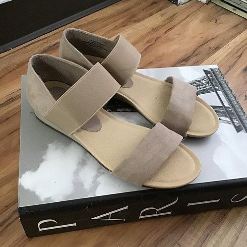 Madeline Sandals Size 7