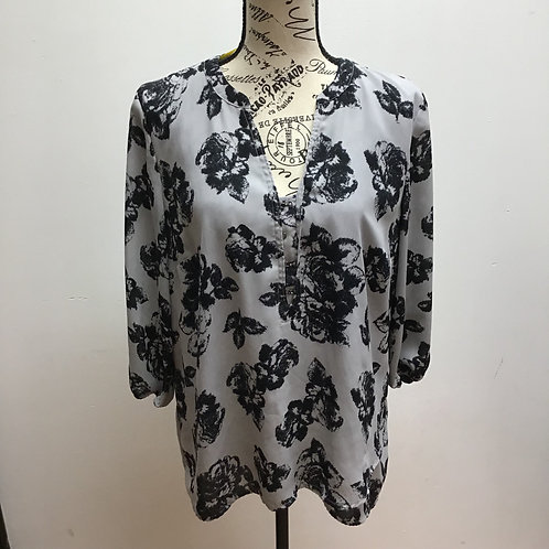 Maurices gray & black floral top