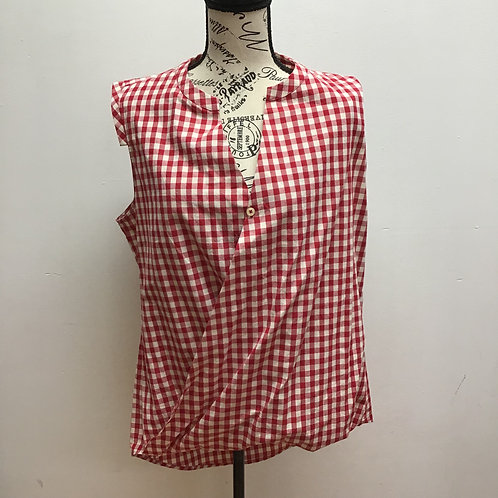 11.1. Tylho red & white checkered top
