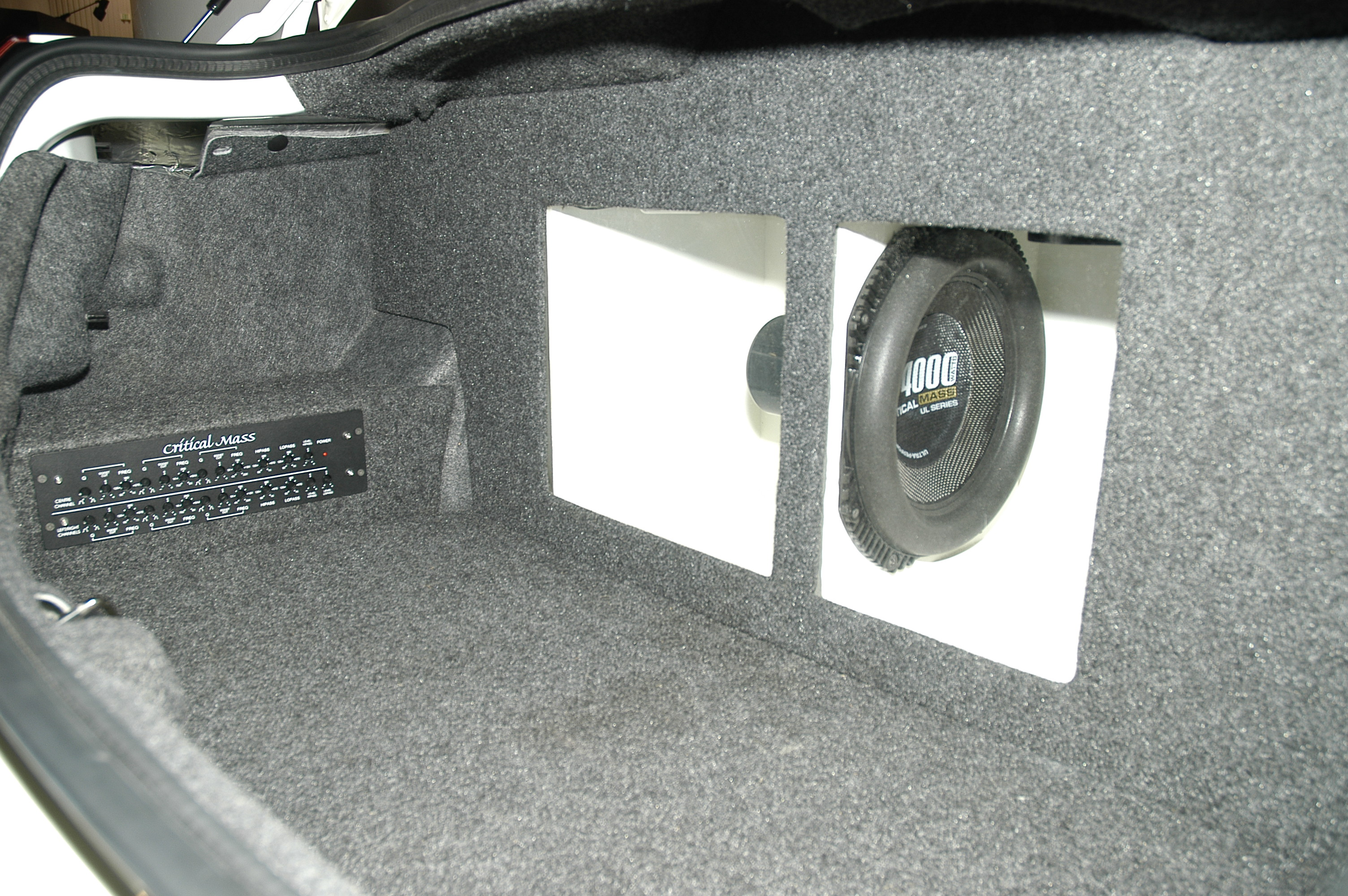 CRITICAL MASS ICON UL12 IN TRUNK OF WORLDS MOST EXPENSIVE CAR AUDIO SYSTEM ESL CES5