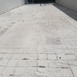 Terrasse_nach_Fliesenrückbau.jpg