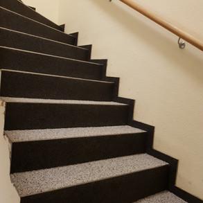 Treppenbeschichtung Colorquarzbelag.jpg