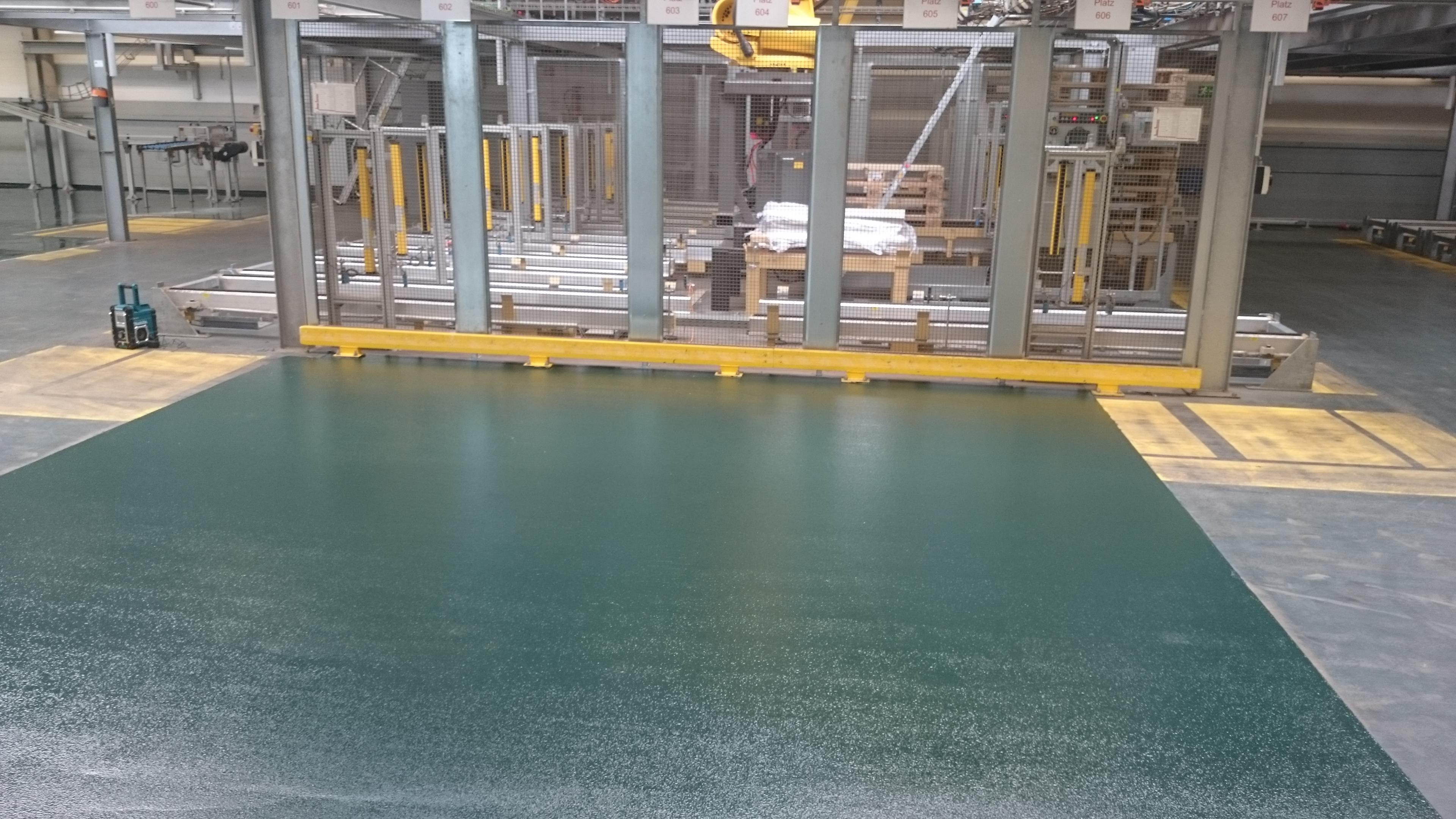 Epoxydharz-Strukturbelag_Industriehalle_