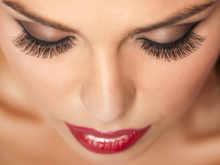 3 Beauty Tips to Beat the Sweat This Summer http://inspirenstyle.com/3-beauty-tips-beat-sweat-summer