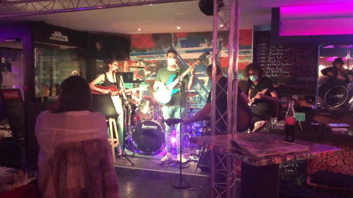 Chants bretons pendant la scène ouverte en concert à la Raskette