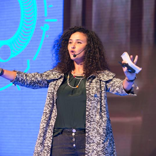 هيفاء زعيتر: قوة الثقة العمياء