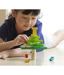 balancing-tree-plan-toys.jpg