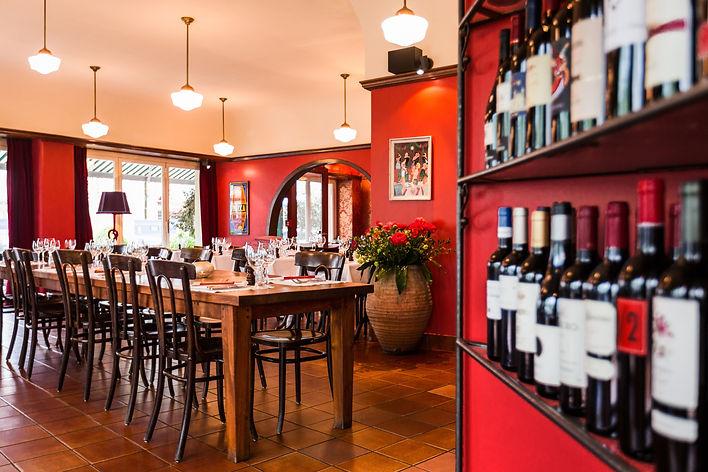 Restaurant langer Tisch_MEDIUM_IMG_7293.