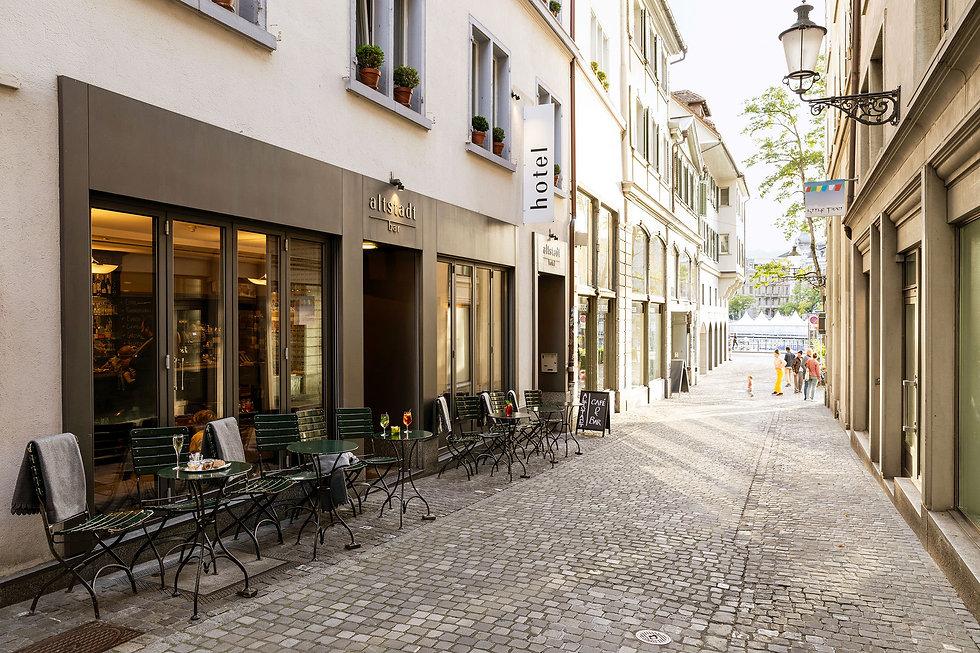 Altstadt-Hotel-Aussenansicht-02-warm (1)