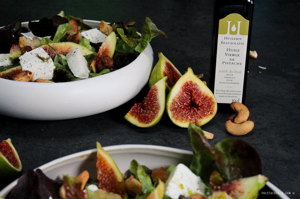 Salade Estival Figues, Chèvre frais et Huile de pistache