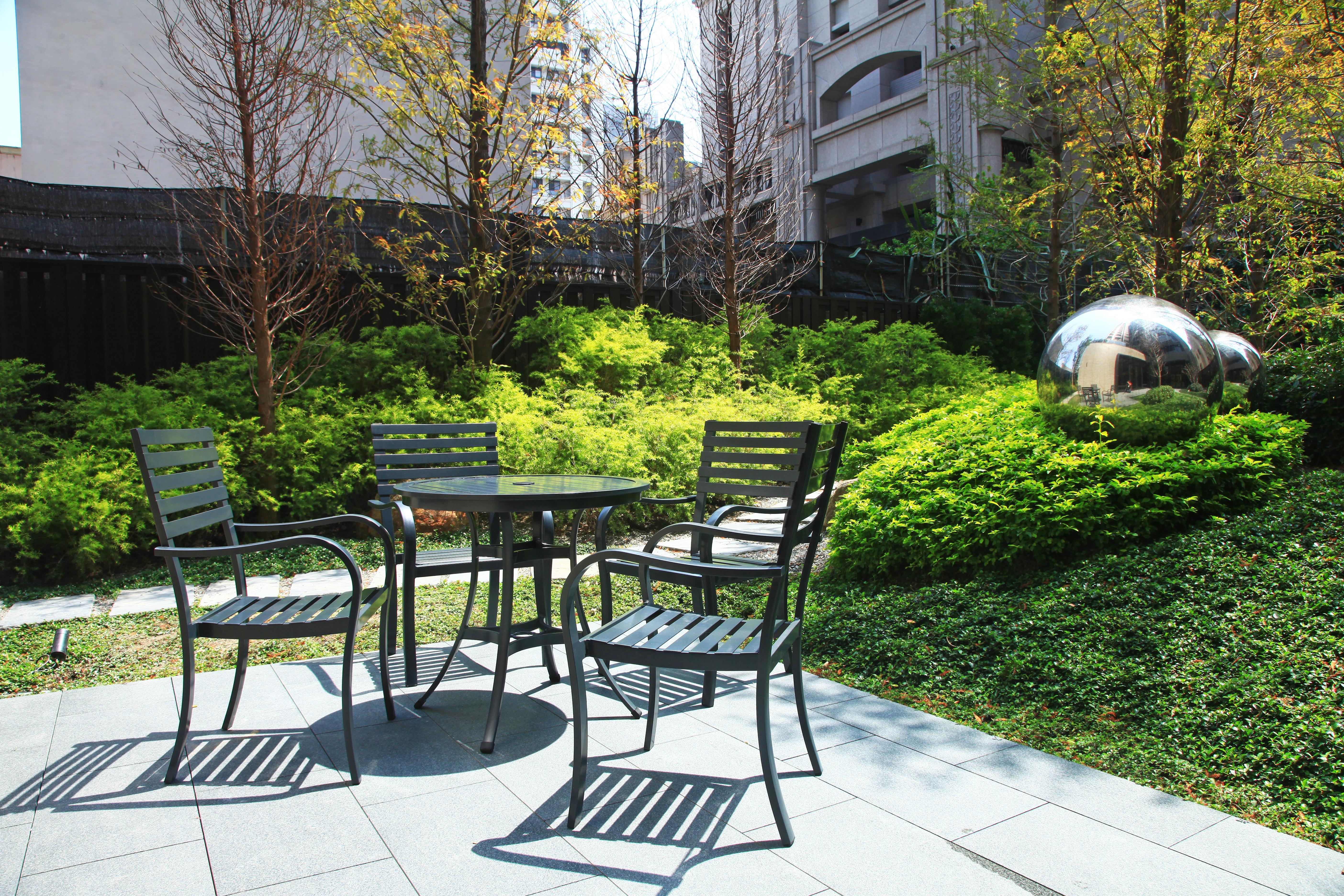 綠地系列圓桌椅組