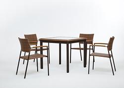 坎伯爾二 / 一桌四椅