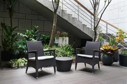 新羅馬系列戶外椅組實景+編藤圓桌
