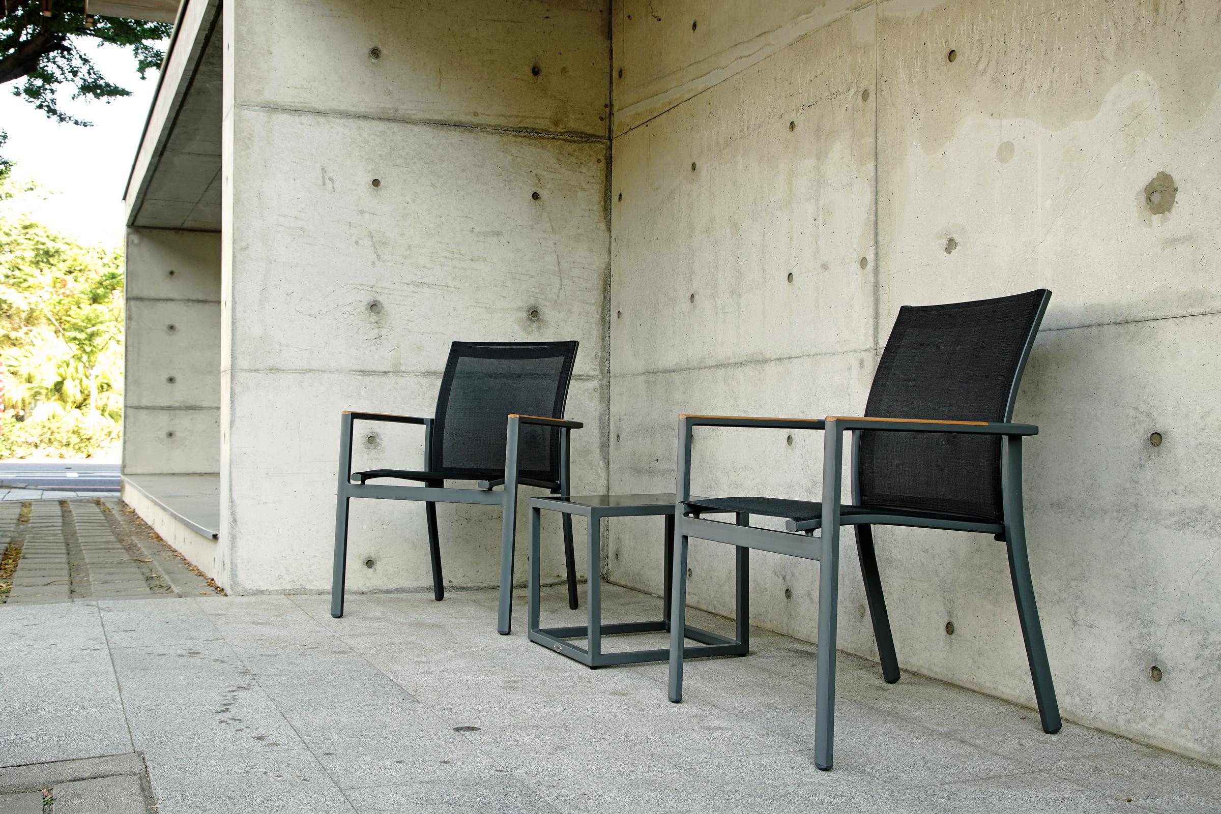 黑色網布椅
