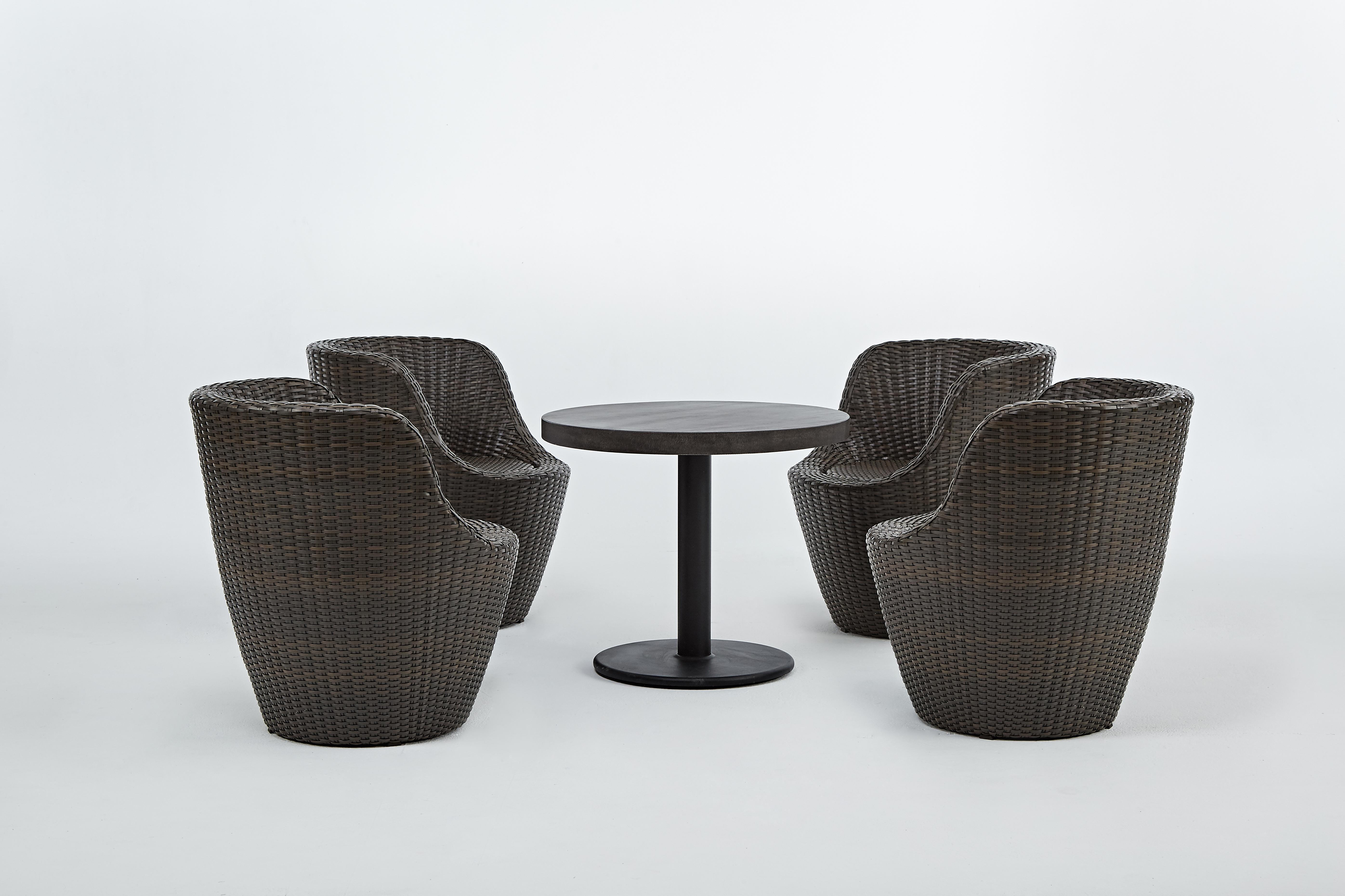 圓形茶几+鵝卵石椅