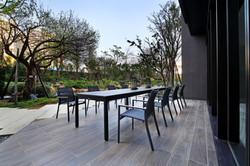 塑木長桌+網布扶手椅