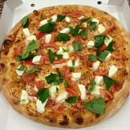 Carletto's Pizza Caprese