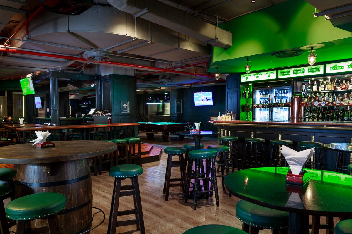 O'Malley's Bangkok - Bar & Seating