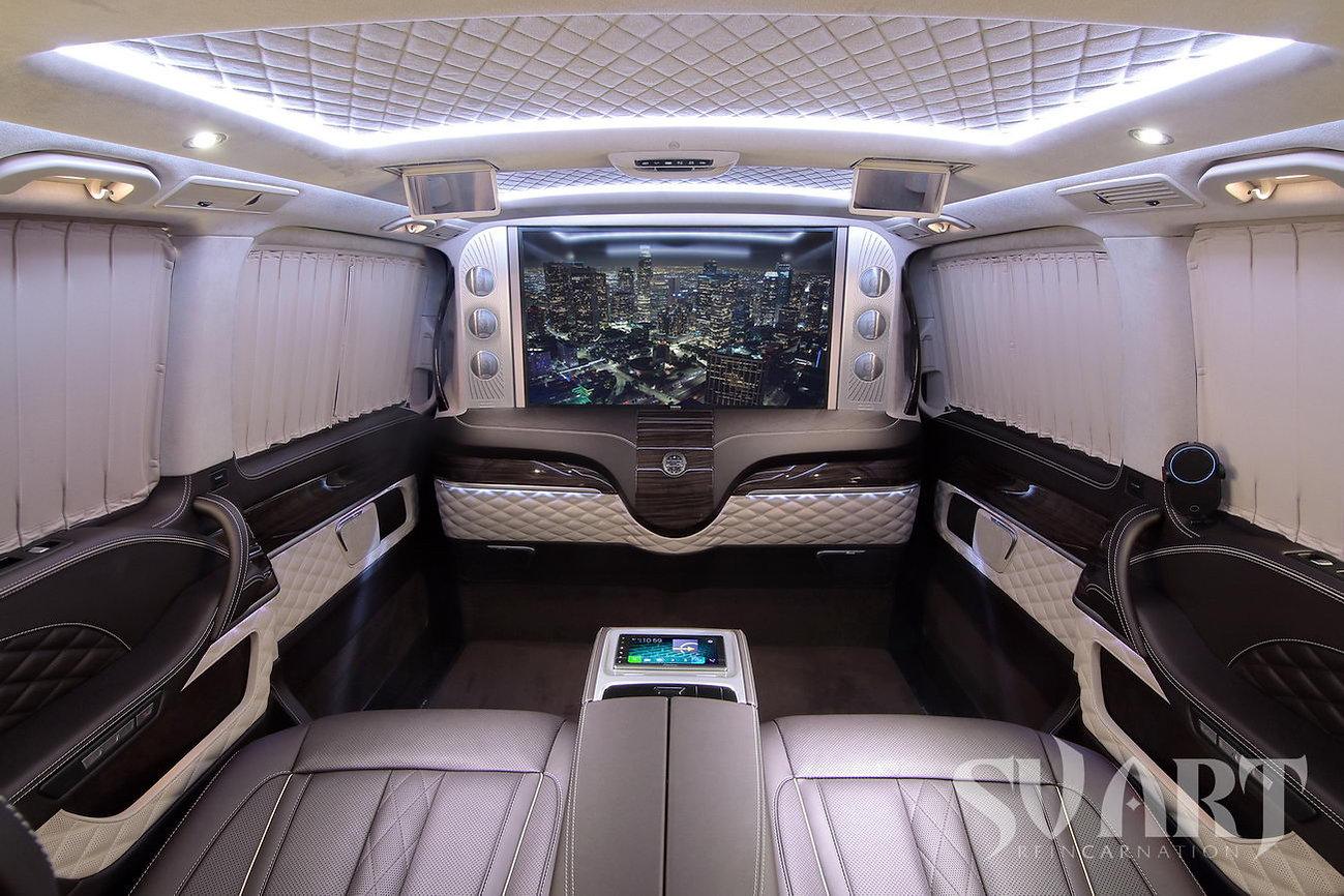 Mercedes v салон.jpg