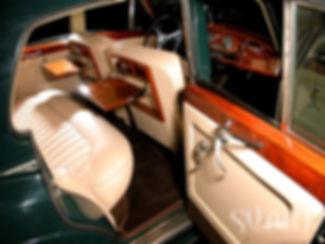 перетяжка салона ретро автомобиля