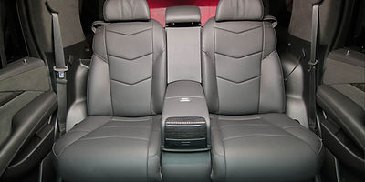 диван BMW в эскалейд.jpg