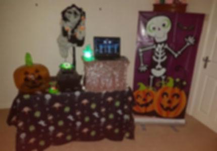 spooky disco party entertainer