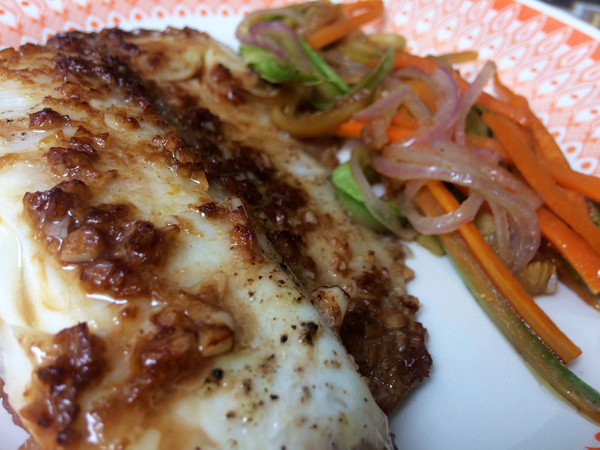 Papillote de peixe com legumes