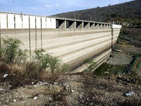 Chuvas acendem alerta sobre problemas estruturais na barragem de Jucazinho