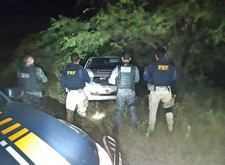 Caminhonete de luxo e carro roubados são recuperados em Toritama e Taquaritinga