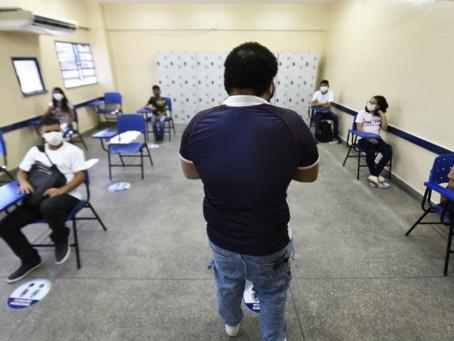 Prefeitos de Pernambuco defendem retomada das aulas presenciais só em 2021